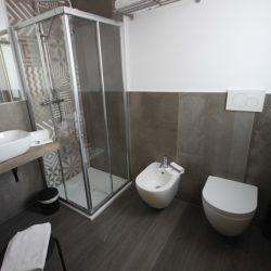 ampio bagno privato hotel pove