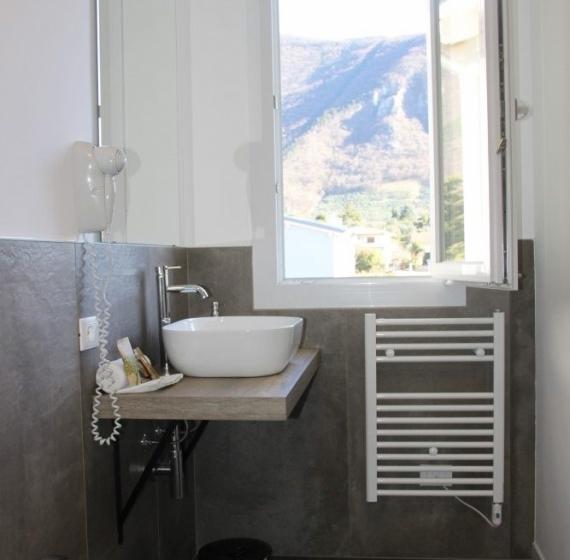 bagno camera pove 2.4